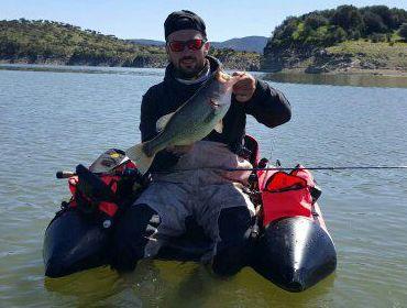 amigo hugo de pesca en pantano
